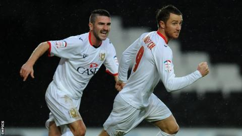 Ryan Lowe and Dean Bowditch