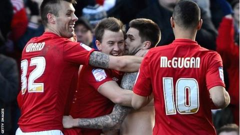 Forest celebrate Henri Lansbury's equaliser against Brighton