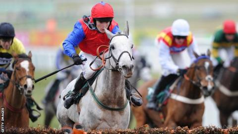 Katie Walsh riding Thousand Stars