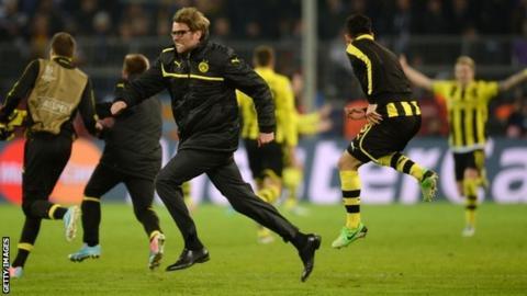 Borussia Dortmund celebrate their dramatic win