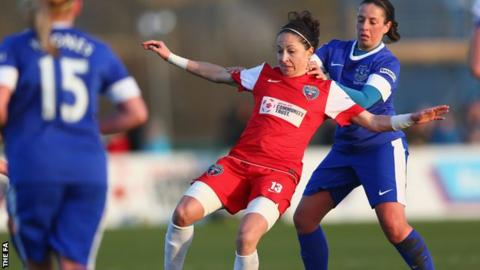Bristol Academy's Laura Del Rio and Everton's Amy Kane