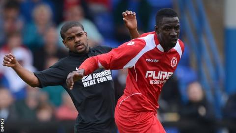 Anthony Acheampong (r) and Bradley Pritchard