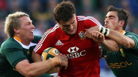 Jamie Roberts in action for the Lions in 2009.