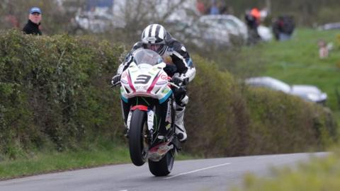 Michael Dunlop in Superbike action at the Tandragee 100