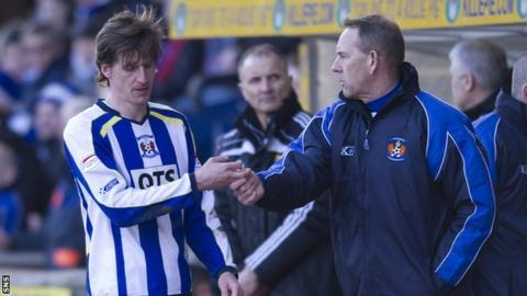 Kilmarnock midfielder Borja Perez and manager Kenny Shiels