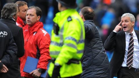 Roberto Mancini, Mark Hughes, Manchester City