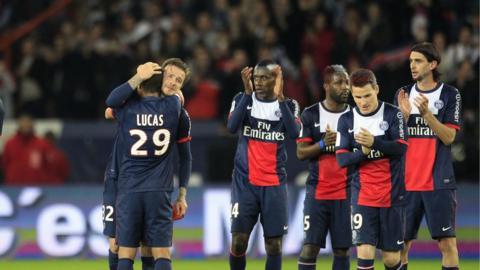 David Beckham applauded by PSG team-mates