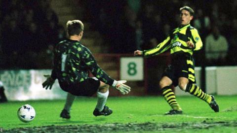 Phil O'Donnell scores for Celtic against Hibernian in 1997