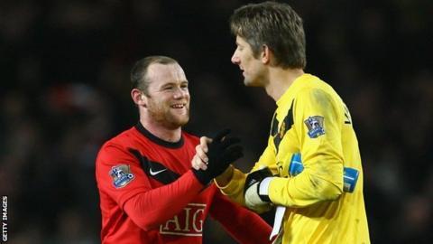 Wayne Rooney and Edwin Van der Sar