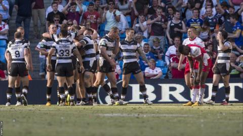 Hull FC celebrate Chris Green's try