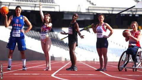 Dominique Allen, Yvette Baker, Mo Farah, Sophie Hoskins and Maddie Thompson