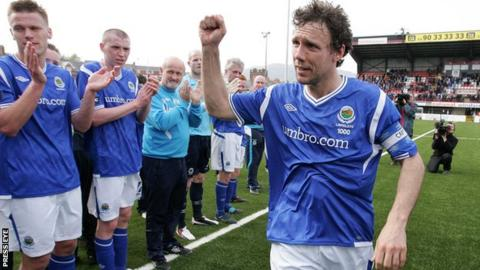 Noel Bailie played more than 1,000 matches for Linfield