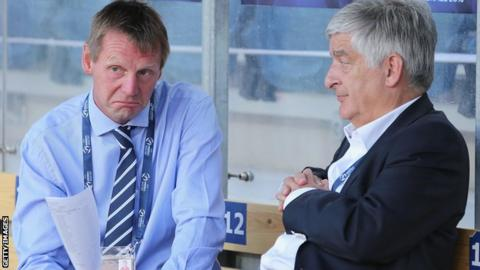Stuart Pearce (left) and FA chairman David Bernstein