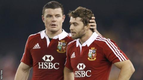 Leigh Halfpenny is consoled by Lions team-mate Brian O'Driscoll after missing a late kick against Australia