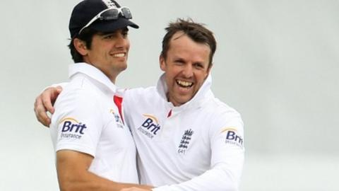 Alastair Cook with Graeme Swann