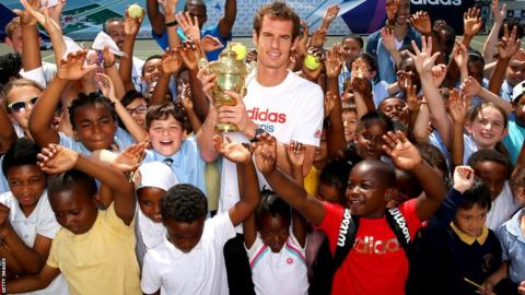 Andy Murray and local children