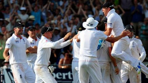 England celebrate against Australia