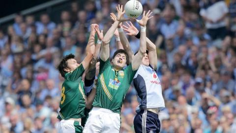Meath pair Conor Gillespie and Brian Meade contest a high ball with Dubs duo Diarmuid Connolly and Michael Darragh MacAuley