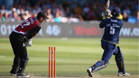 Craig Kieswetter watches as Alex Gidman is bowled by Max Waller