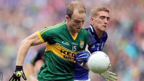 Kerry's Darran O'Sullivan tries to burst away from Cavan's Killian Clarke