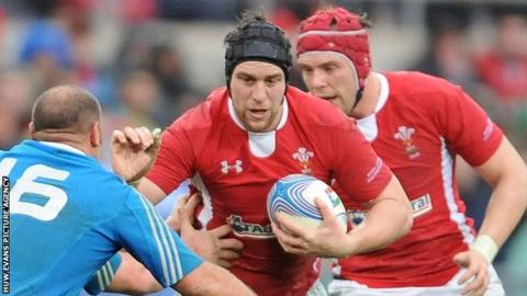 Ryan Jones takes on the Italian defence during the 2013 Six Nations