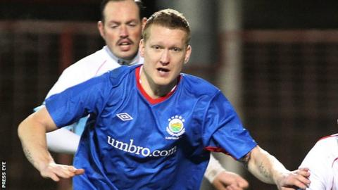 David Armstrong in action for Linfield