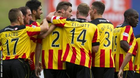 Partick Thistle celebrate the opening goal from Stephen O'Donnell (2)