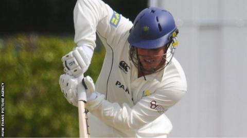 Gareth Rees in action for Glamorgan
