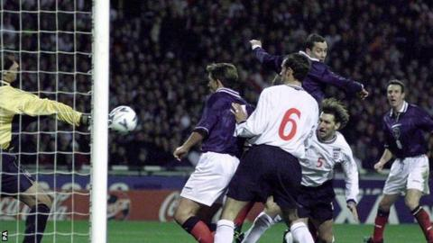 Don Hutchison heads the winner at Wembley in 1999