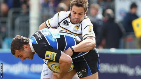 Nick Robinson tackles Olly Barkley