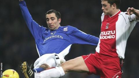 Kevin Horlock (left) playing for Ipswich Town in 2005