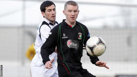 Martin Murray (right) has moved to Cliftonville