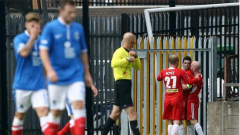 Linfield lost 4-2 to Cliftonville