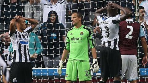 Yoan Gouffran misses chance Newcastle v West Ham