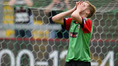 Glentoran's Calum Birney reacts after a missed opportunity during the 0-0 Irish Premiership draw with Ballinamallard United at the Oval
