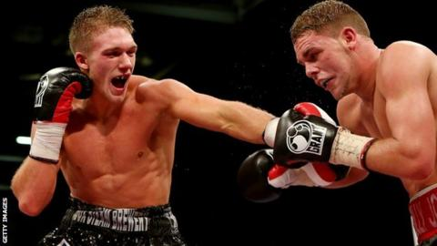 Nick Blackwell punches Billy Joe Saunders