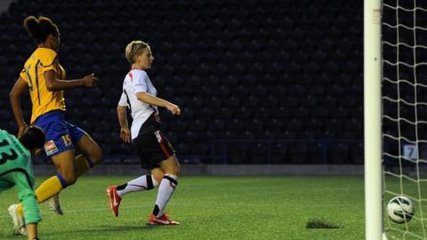 Natasha Dowie scores for Liverpool
