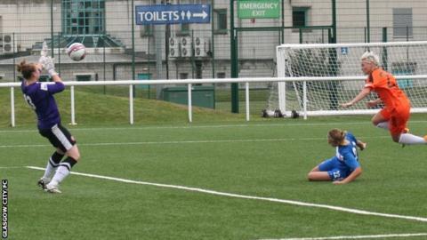 Jess Fishlock scores for Glasgow