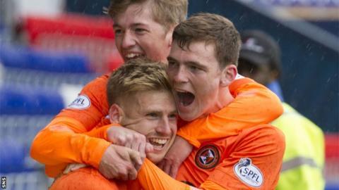Dundee Utd celebrate