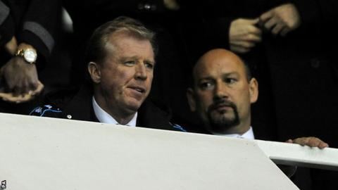 Steve McClaren watches from the stand alongside Derby chief executive Sam Rush