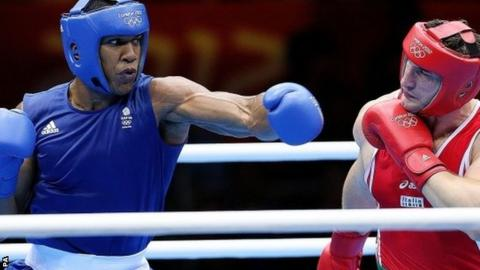 Anthony Joshua fights Italy's Roberto Cammarelle at London 2012
