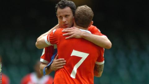 Ryan Giggs is embraced by Bellamy as the Manchester United winger bows out of international football against the Czech Republic in 2007