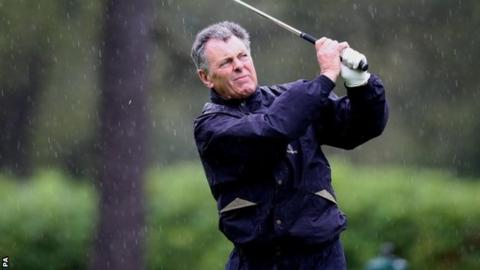 Bernard Gallacher wants more defibrillators at golf clubs