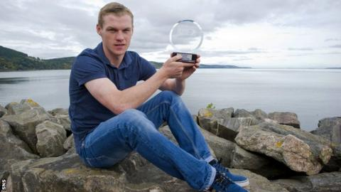 Inverness forward Billy McKay with the SPFL player of the month award for September