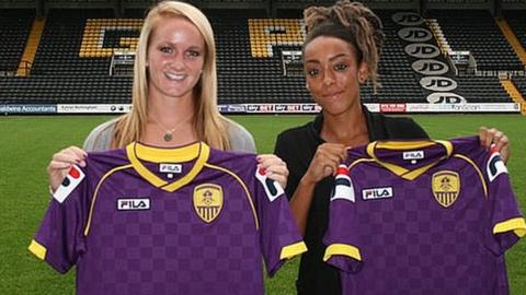 (l to r) Sophie Bradley and Jess Clarke