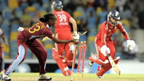 West Indies run out Danielle Wyatt in the Super Over