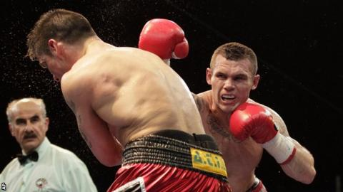 Martin Murray in action against Sergio Martinez