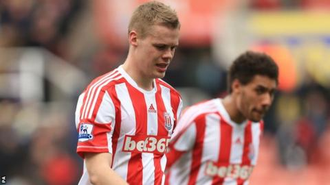 Ryan Shawcross (left)