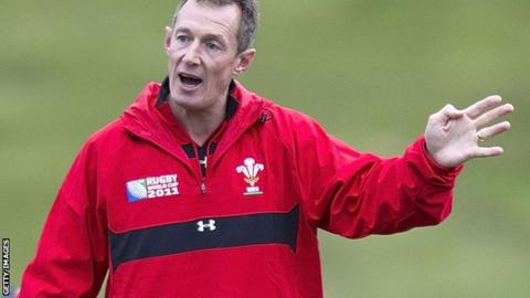 Rob Howley giving instruction to players at a Wales training session