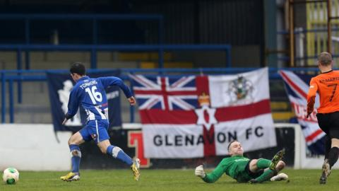 Gareth Tommons rounds keeper John Connolly to score Coleraine's first goal in their 3-2 win over Glenavon
